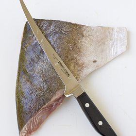 Thumbnail image for Fillet, Chef's, and Paring Knife Tests—The quest to pick out a knife that works for you.