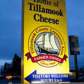 Thumbnail image for Touring the Tillamook Cheese Factory — Tillamook, Oregon