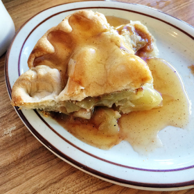 Thumbnail image for Apple Pie at Law's Coffee Shop, Oak Glen, California—Friday Pie-Day