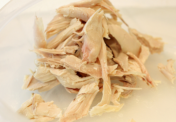 Cooked shredded chicken