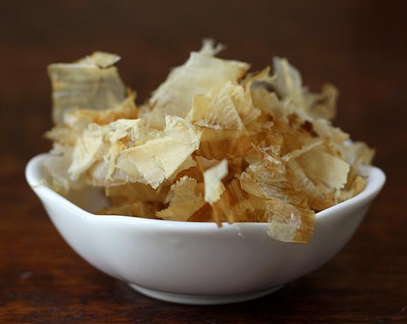 Katsuobushi--dried bonito fish flakes