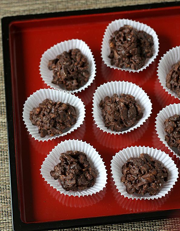 Super Bowl Chocolate Crunchie Munchies