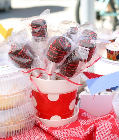 Daydreamer Dessert's INCREDIBLE Cake Pops