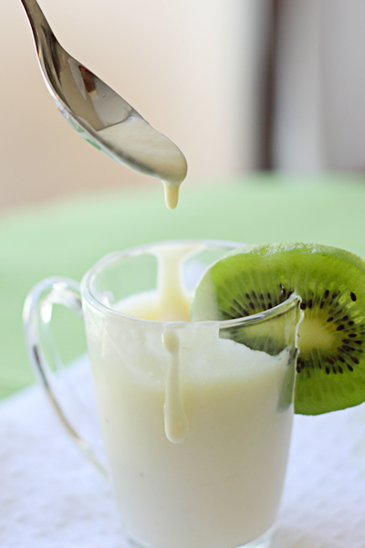 Eating gold kiwi cream