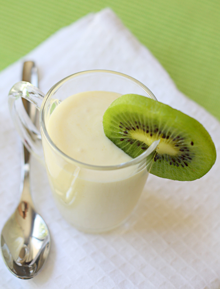 Post image for Gold Kiwi Cream—Finger lickin' good (don't say I didn't warn you)!
