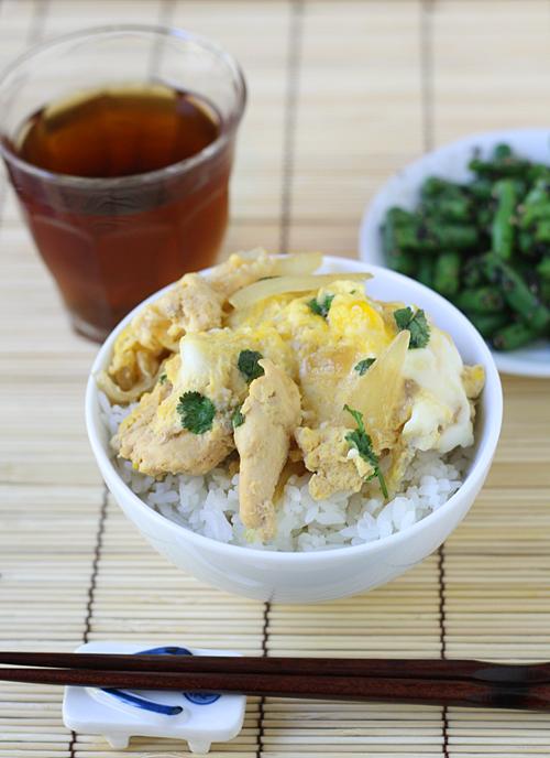 Oyakodon meal