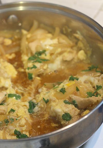 oyakodon omelet cooking