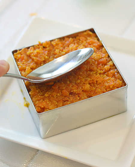 Molding the carrot halwa into a shape