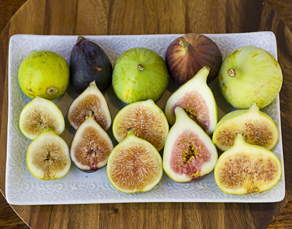 5 varieties of fresh California figs