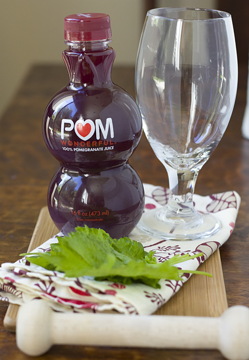 Making a Shiso Pomojito Mocktail