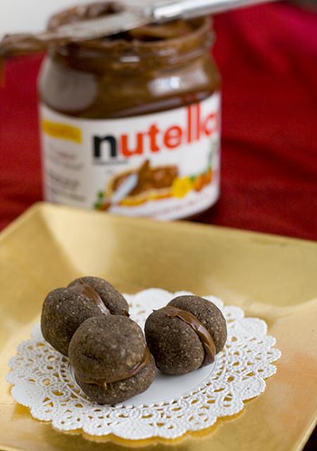 mini chocolate nutella sandwich cookies