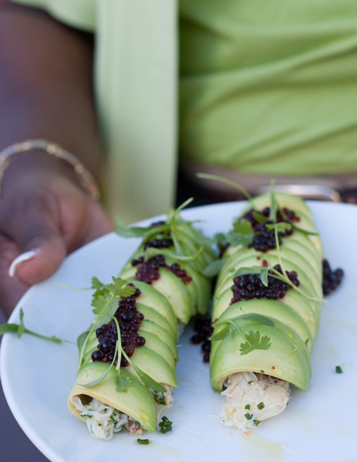 crab roll avocado crab roll with soy sauce caviar recipes dishmaps ...