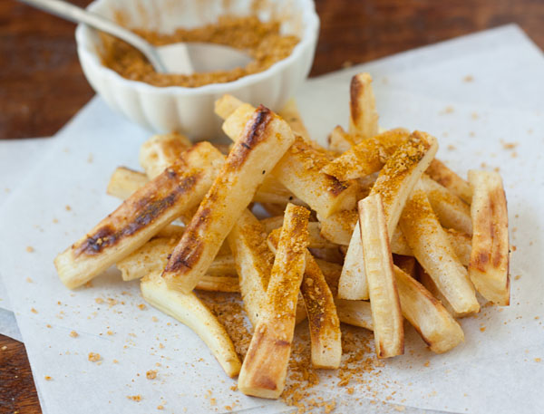 Healthy Roasted Parsnip Fries with Curry Salt