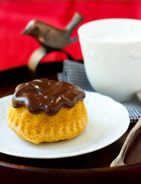 spicy pumpkin cakelettes with chocolate glaze makes 24 cakelettes ...