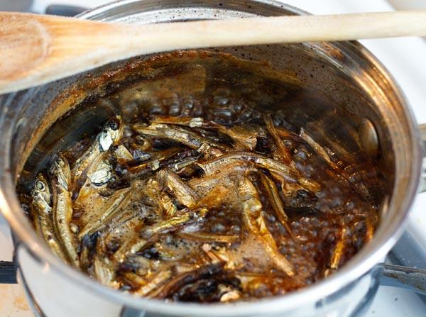 Cooking the tazukuri