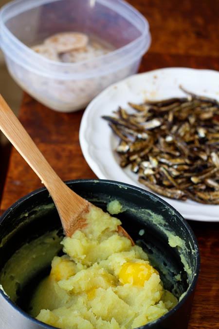 Making osechi