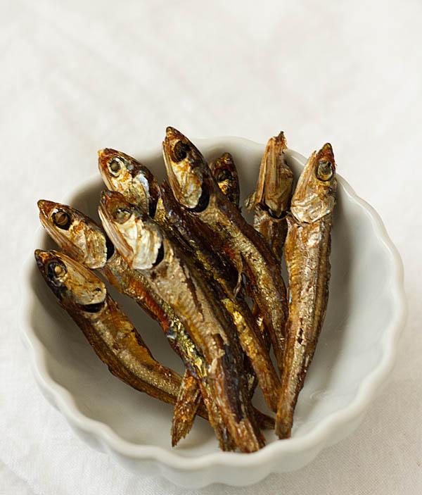 Tazukuri -- soy sauce sugar-glazed sardines