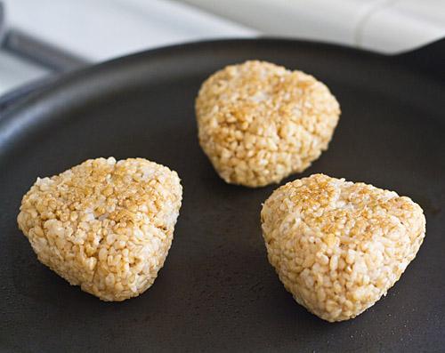 Pan toast the rice balls