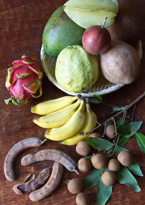 Farmer Bob's Tropical Fruit Assortment