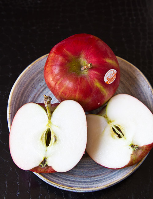 Cortland heirloom apple