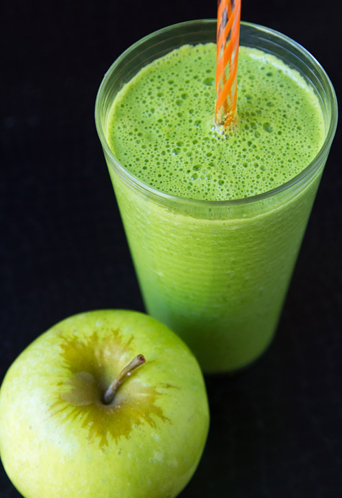 Green Heirloom Apple Smoothie