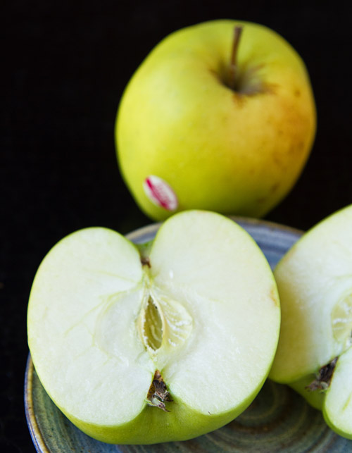 Mutsu heirloom apple