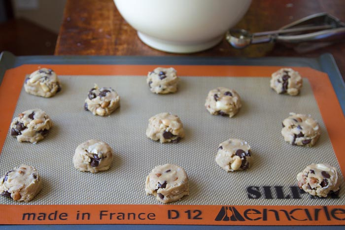Place rounded balls of cookie dough on baking sheet