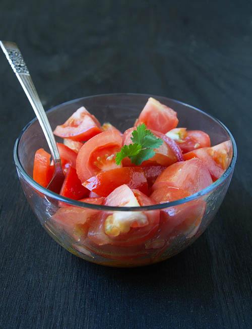 Simple Chilean Tomato Salad
