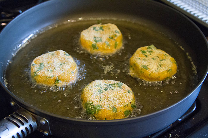 Cooking Aloo Tikki Egg Bennys