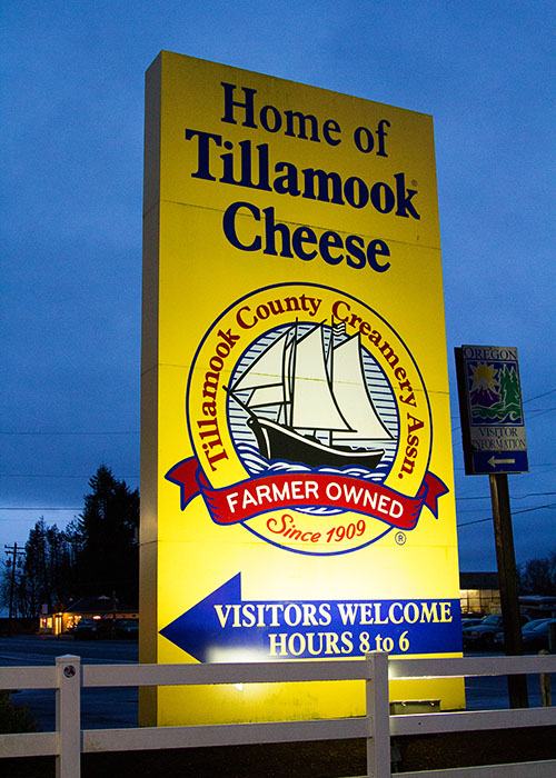 Visiting the Tillamook Cheese Factory in Tillamook Oregon