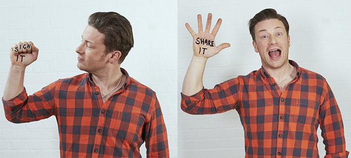 Jamie Sign It Share It - Credit Sam Robinson