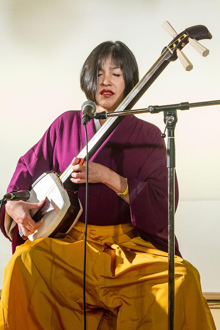 Shamisen musician at Ringo Bako
